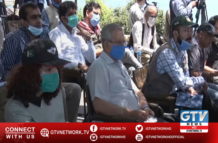 International media visit LoC to interact with victims